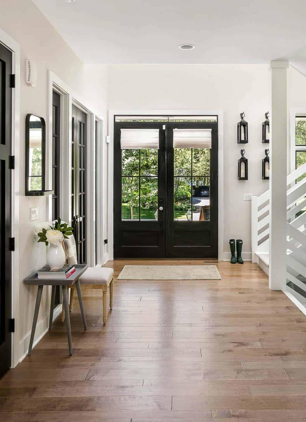 gorgeous-modern-farmhouse-entry