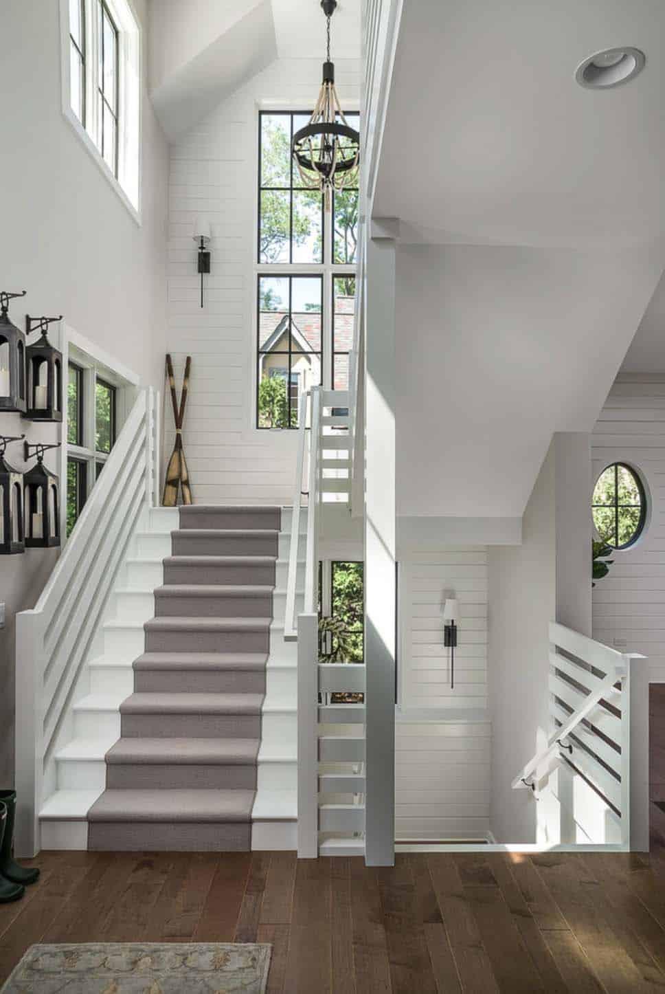 gorgeous-modern-farmhouse-staircase