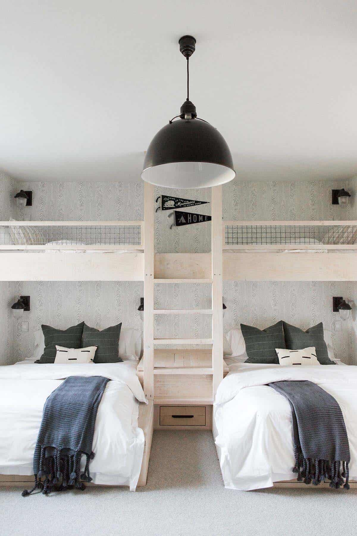 farmhouse-style-bunk-bedroom