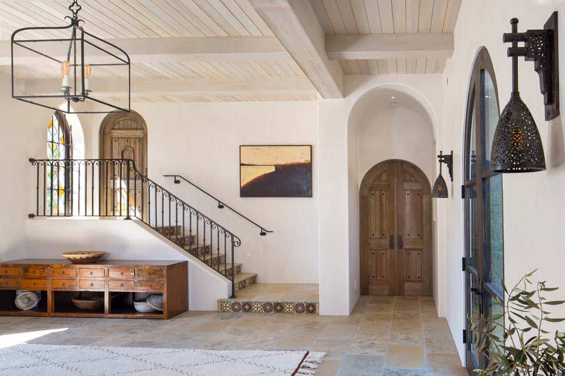 hacienda-style-home-entry