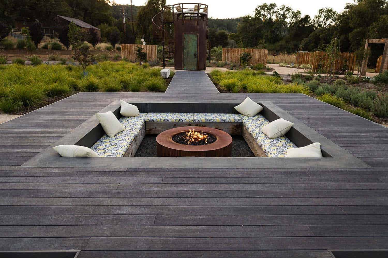 28 Inspiring Fire Pit Ideas To Create A Fabulous Backyard ... on Fire Pit Design  id=77492