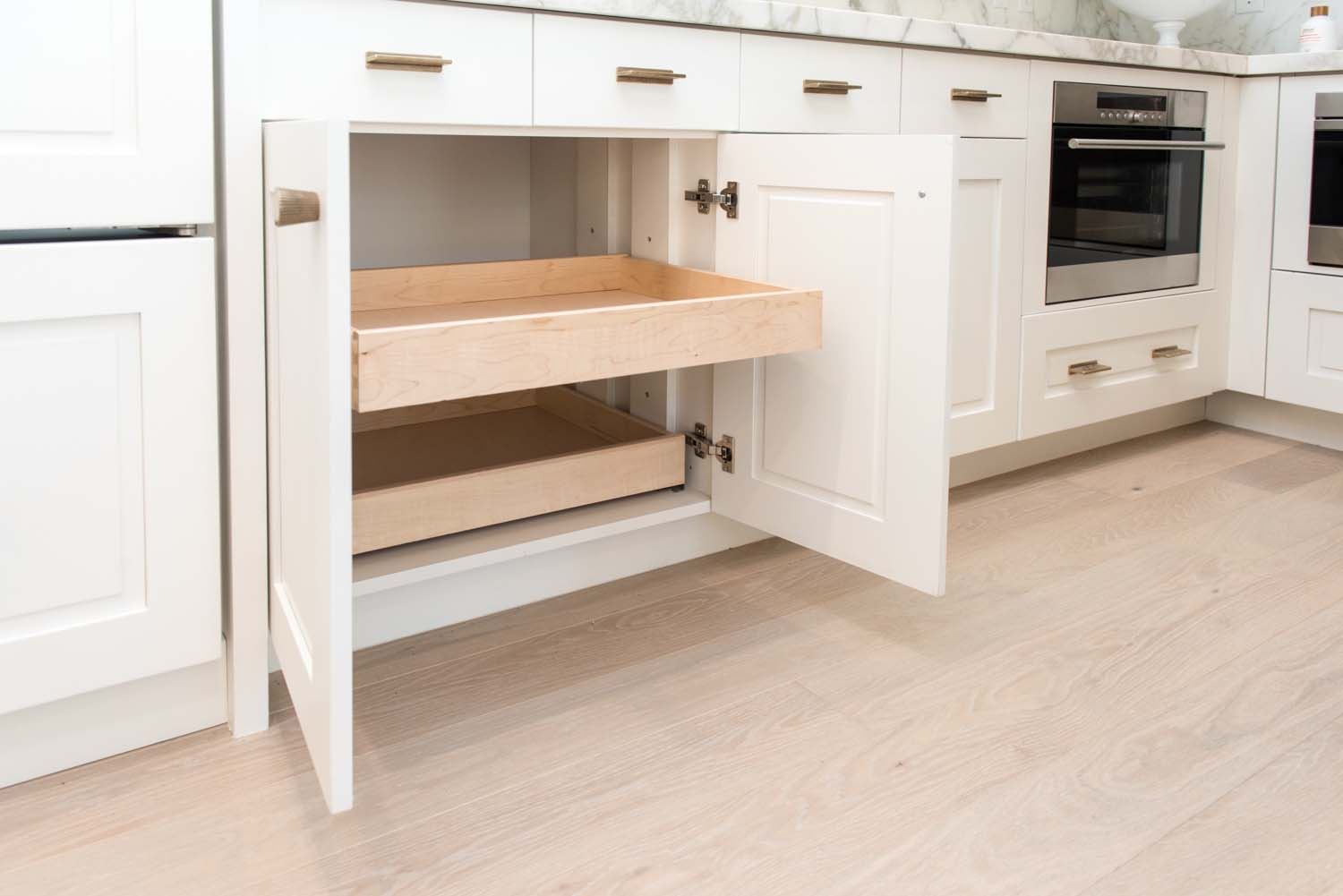 transitional-kitchen-cabinet-detail