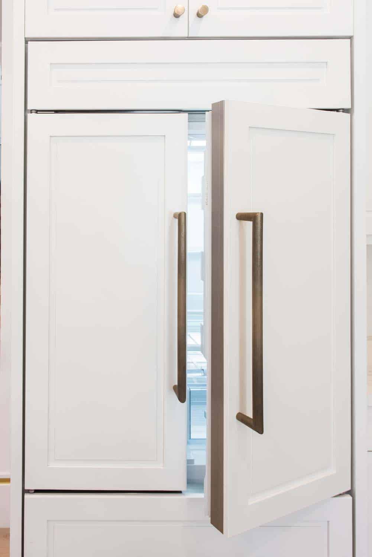 transitional-kitchen-cabinet-detail