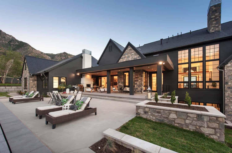 luxury-farmhouse-modern-design-patio