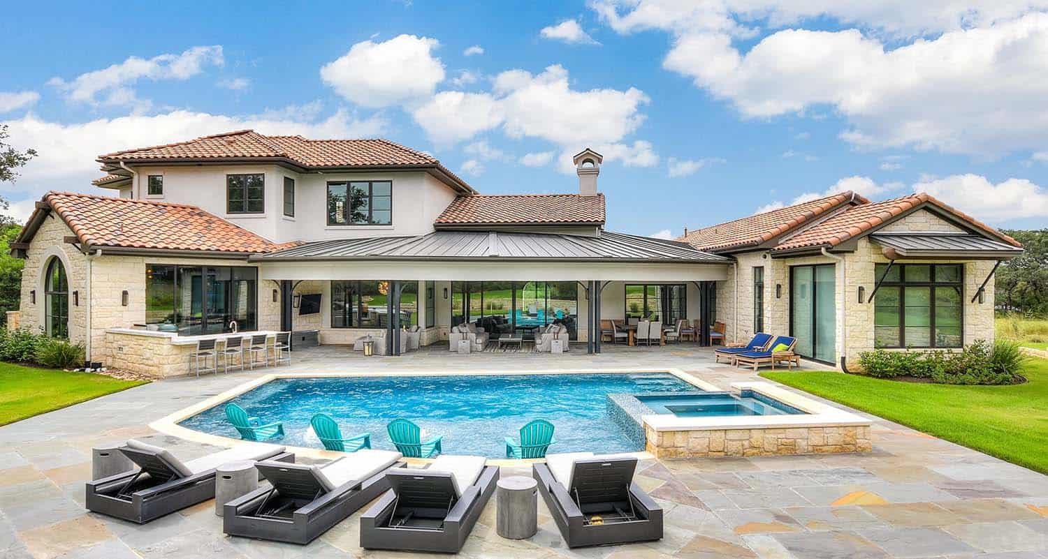 mixed-transitional-mediterranean-style-dwelling-patio-pool