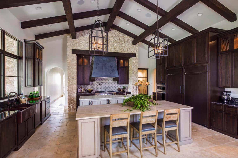 mediterranean-style-villa-kitchen
