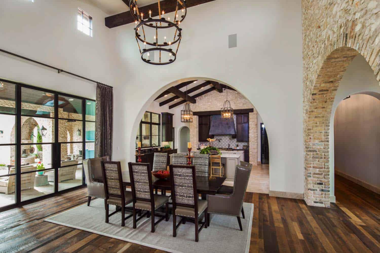 mediterranean-style-villa-dining-room