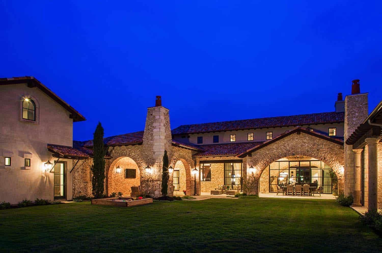 mediterranean-style-villa-exterior