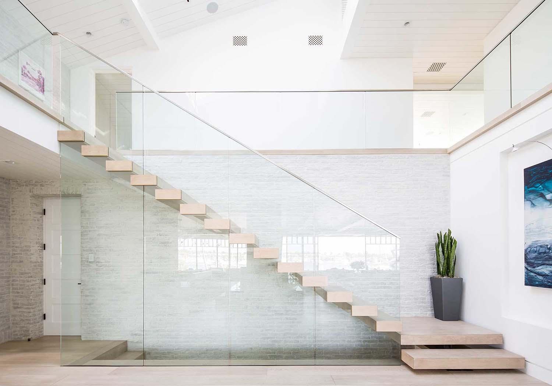 modern-beach-house-beach-style-staircase