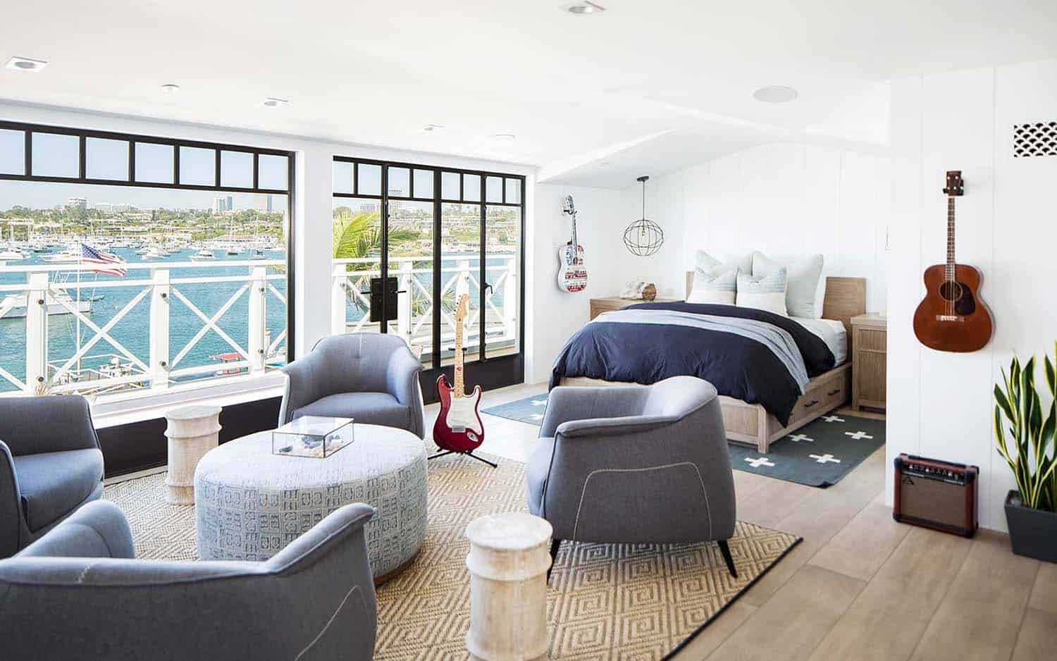 modern-beach-house-beach-style-bedroom