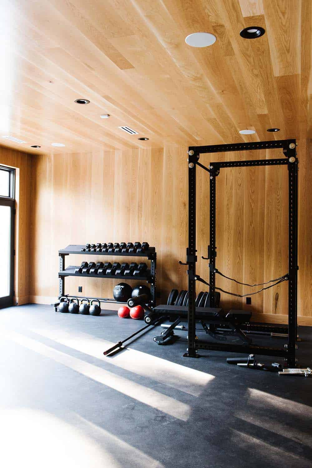 modern-lake-house-farmhouse-home-gym