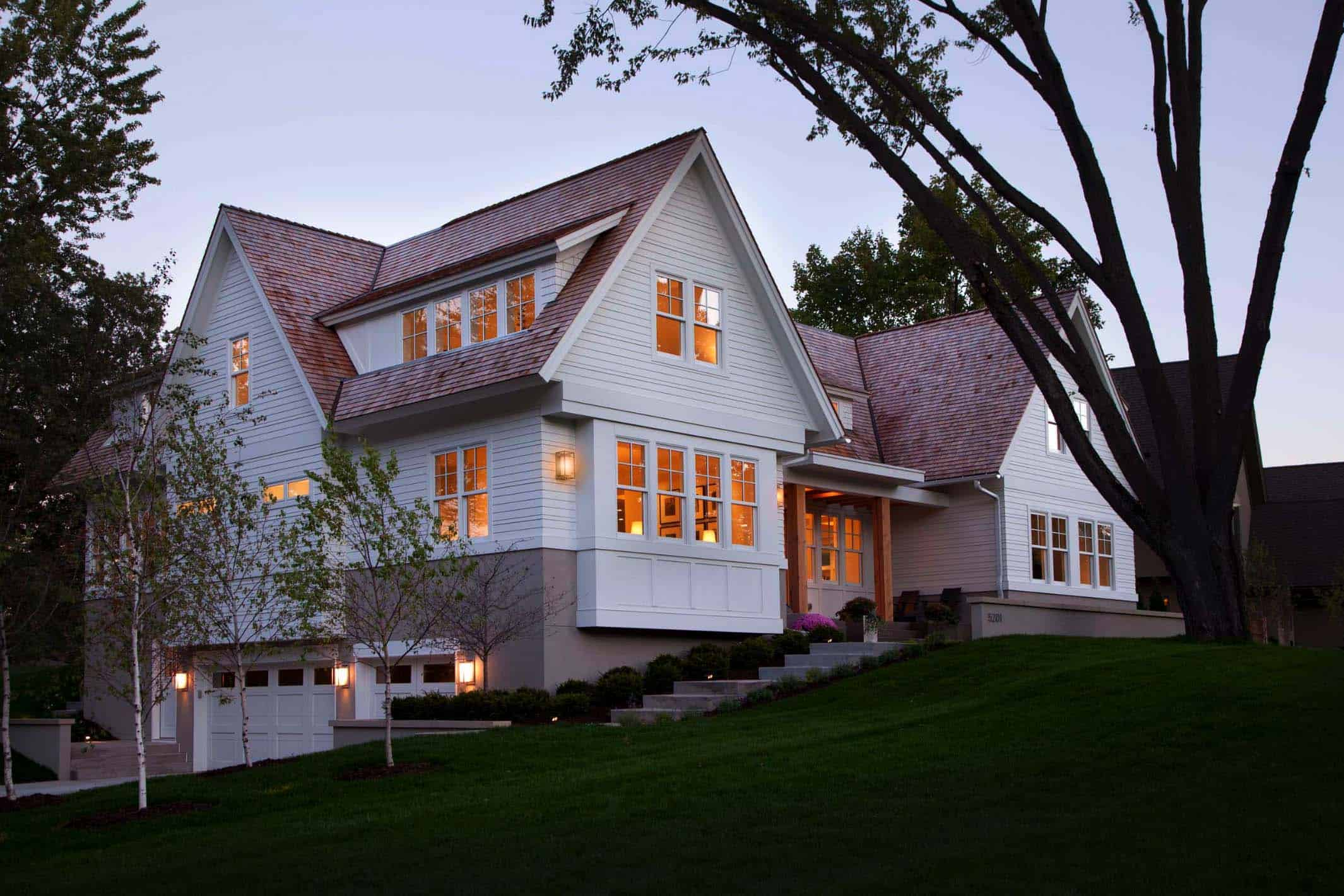 modern-shingle-style-home-front-exterior