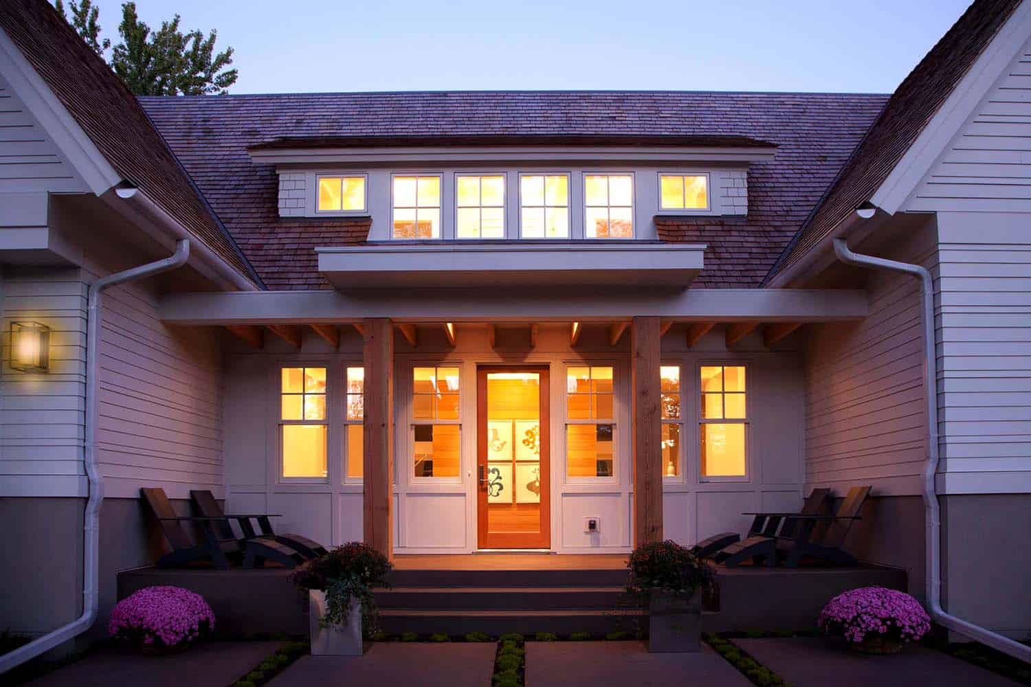 modern-shingle-style-home-entry