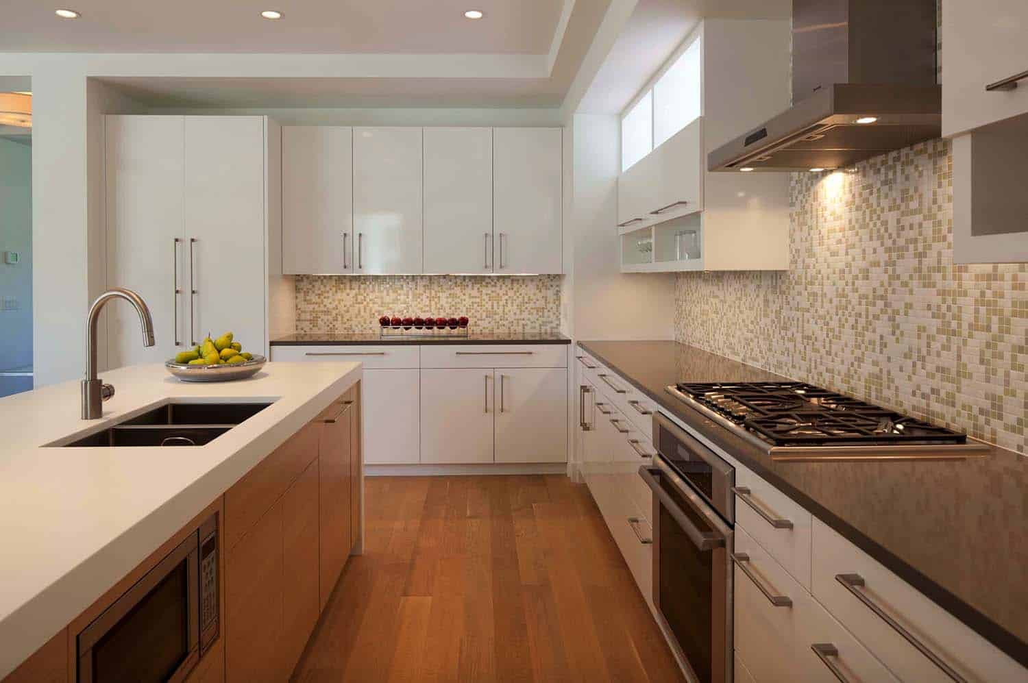 modern-shingle-style-home-kitchen