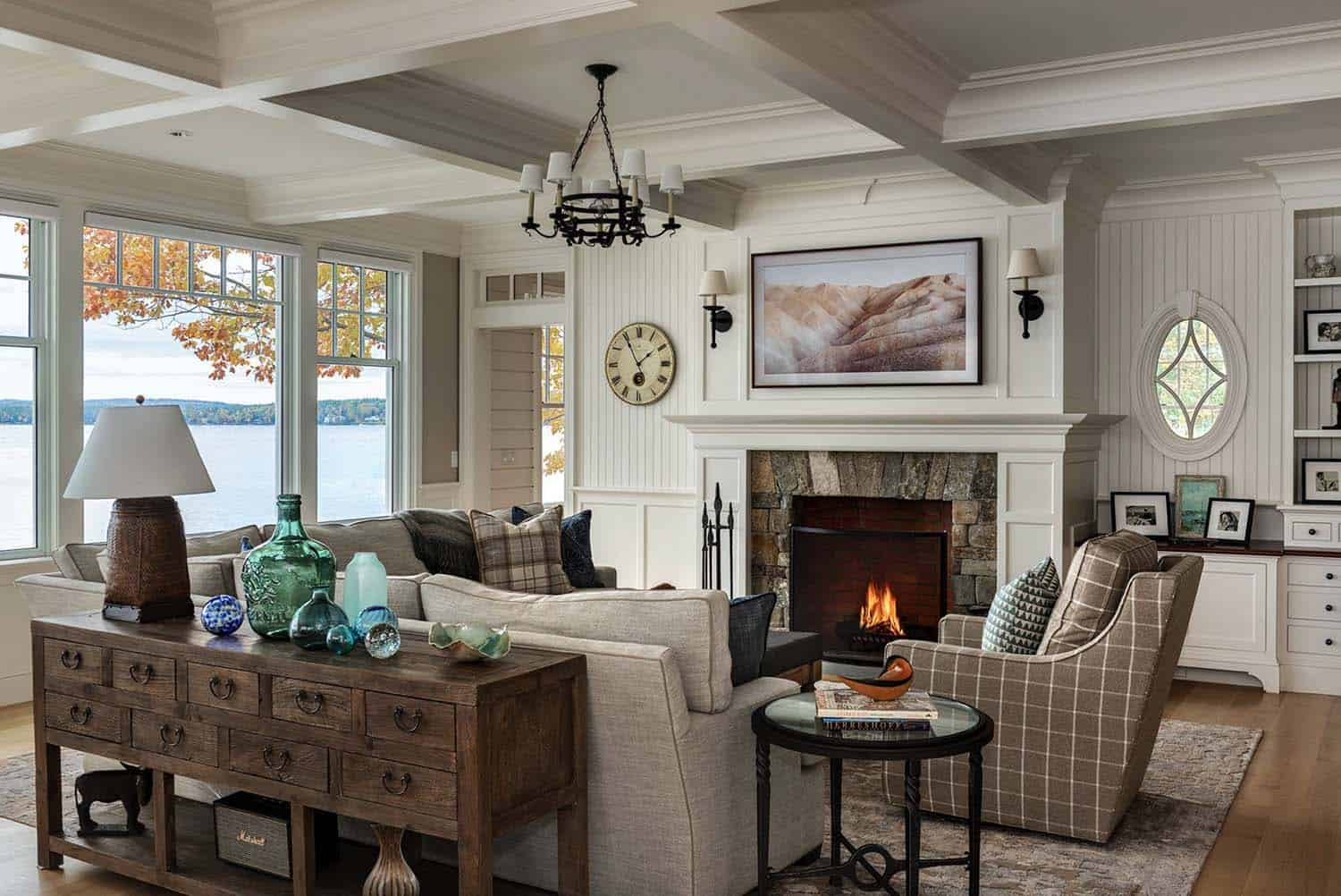 dreamy-lake-house-living-room