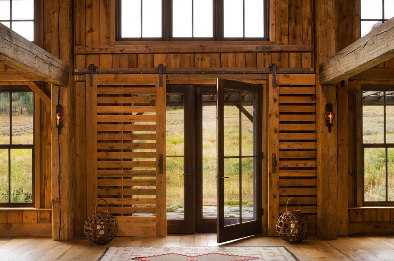 rustic-family-lodge-entry