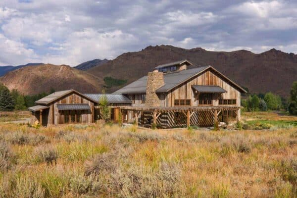 featured posts image for Reclaimed barn transformed into rustic family lodge in Sun Valley, Idaho