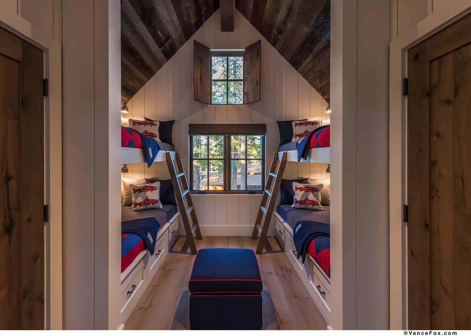 rustic-bunk-bedroom
