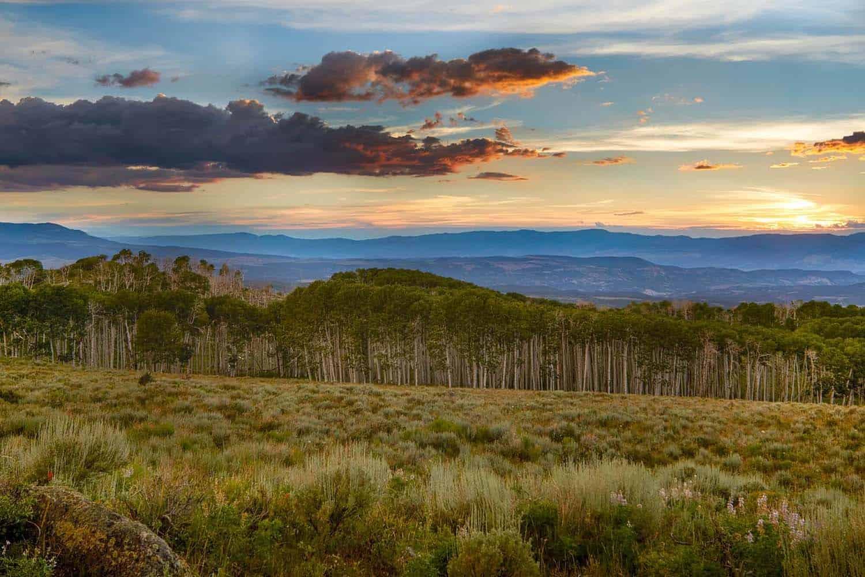utah-rustic-ranch-house-landscape