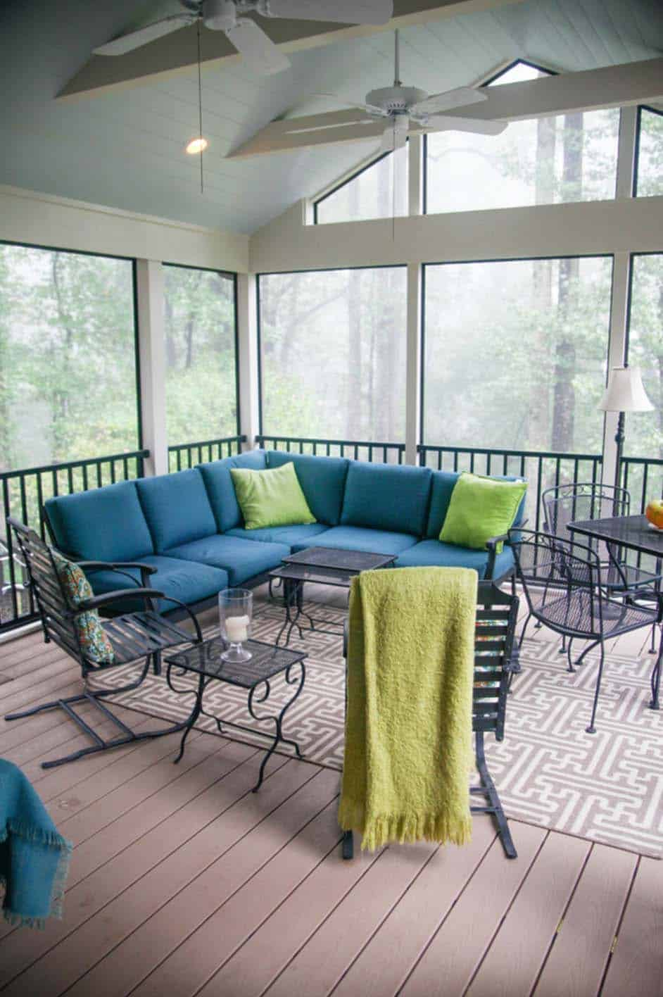 30 Delightful And Intimate Three-Season Screened Porch Ideas