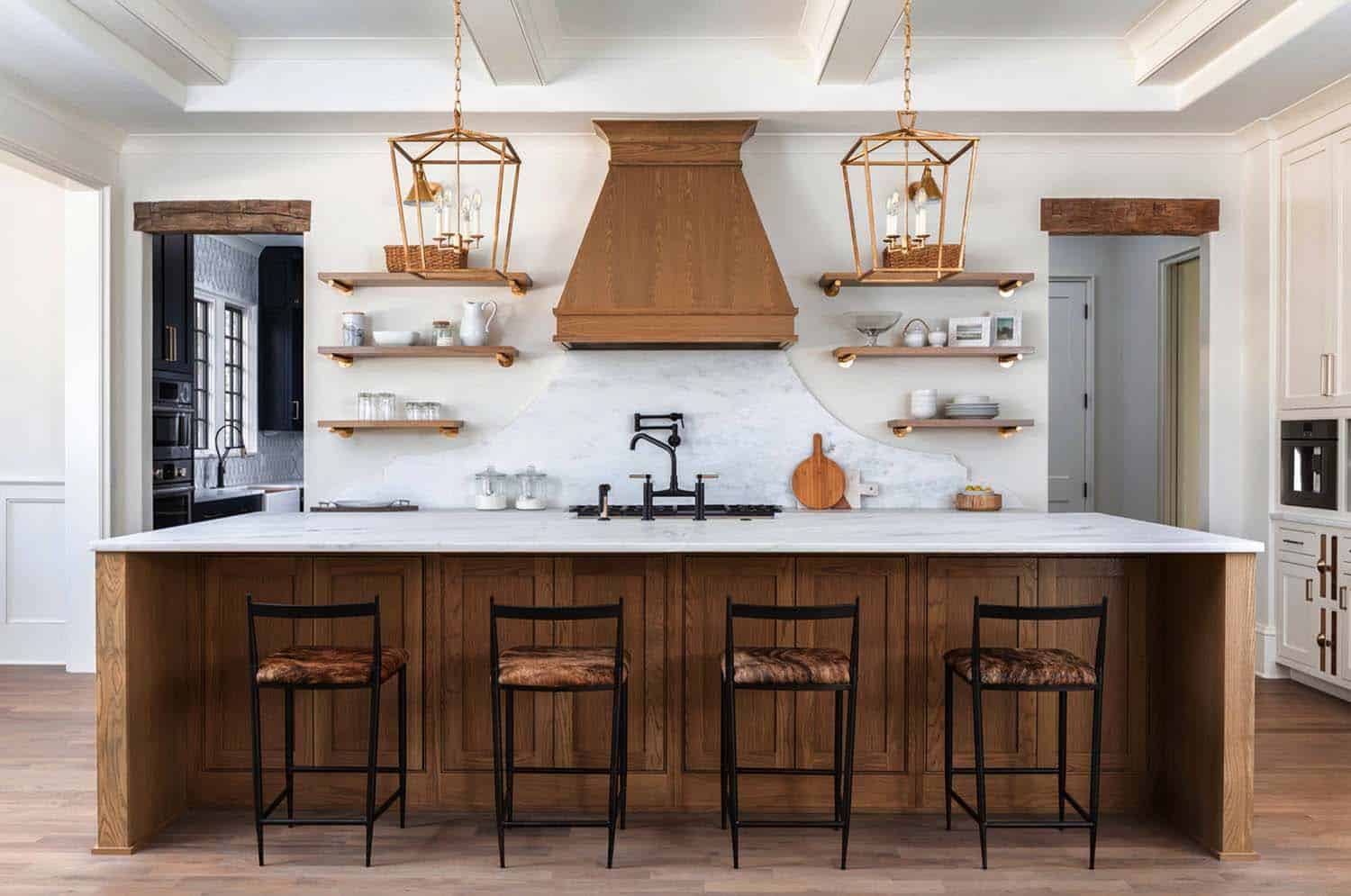 exceptional-home-traditional-kitchen