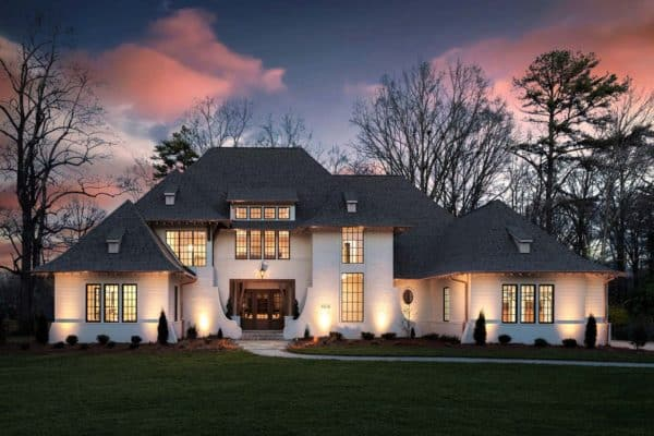 featured posts image for Exceptional home in North Carolina with stylish and inviting interiors
