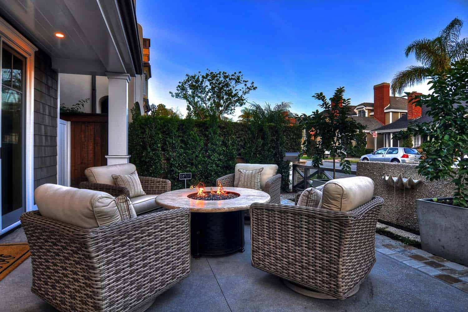 coastal-home-traditional-styling-patio