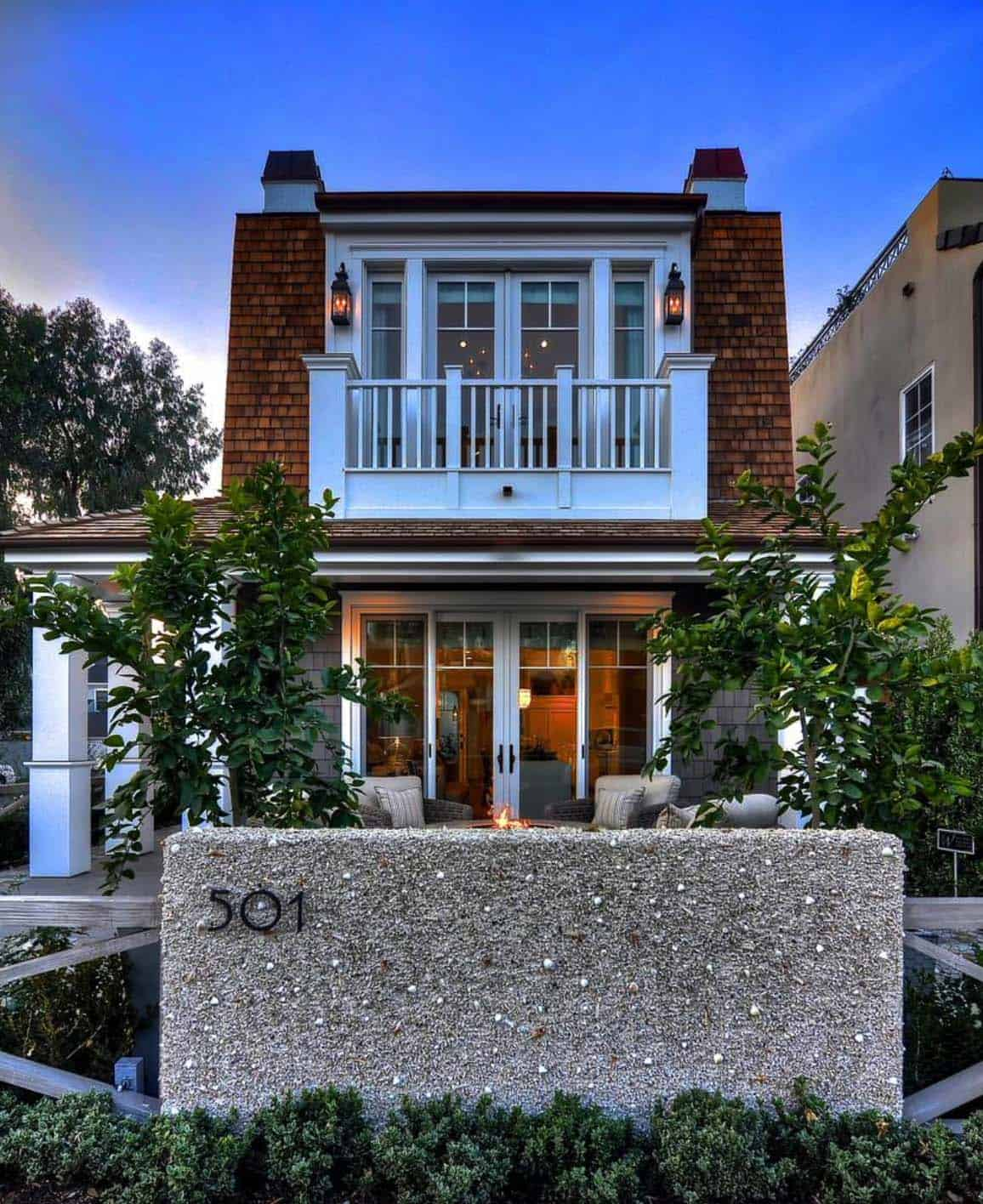 coastal-home-traditional-styling-exterior