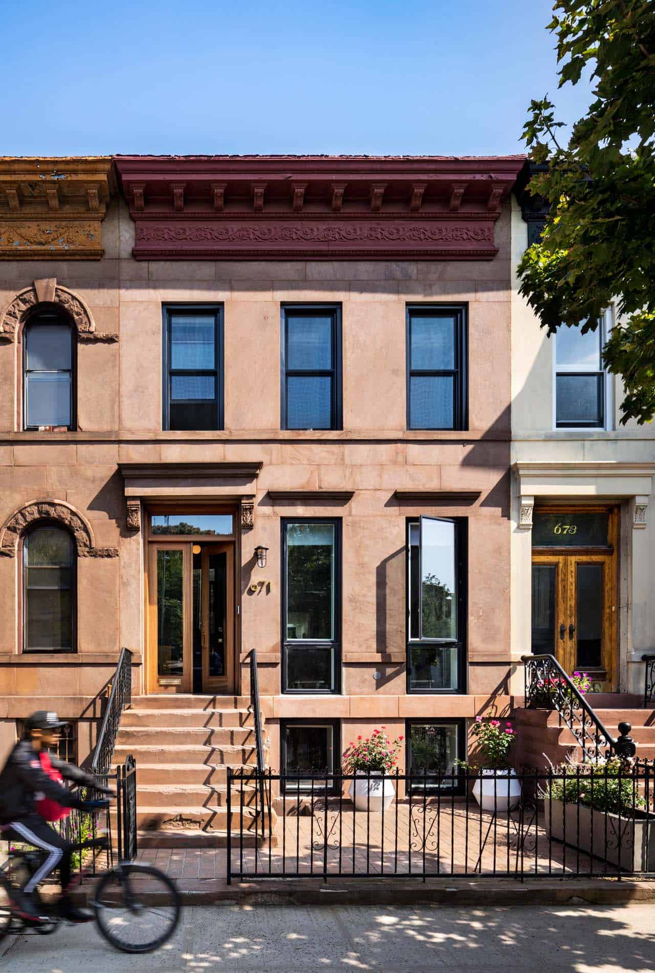 brownstone-exterior