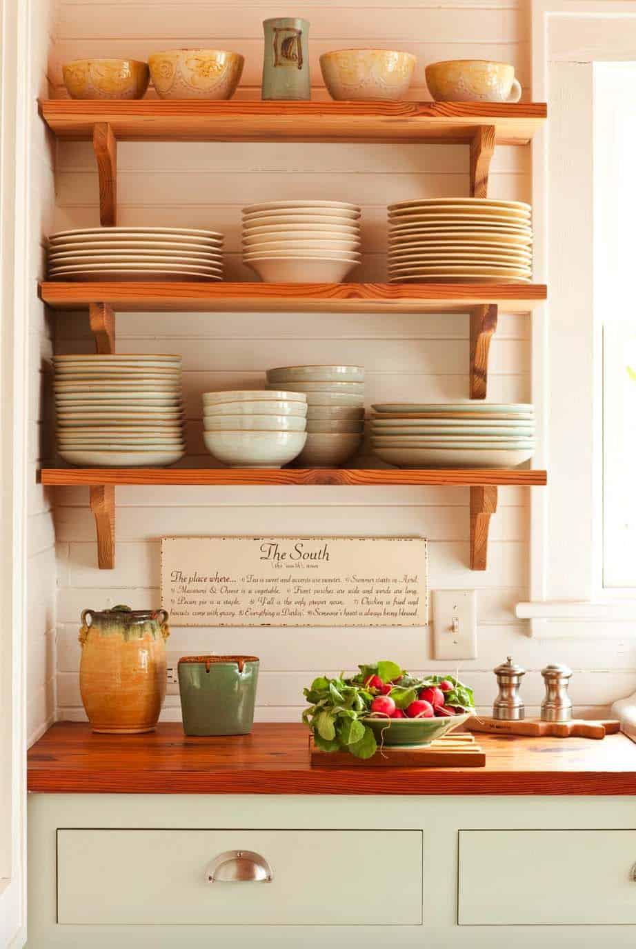 traditional-kitchen-shelf-detail