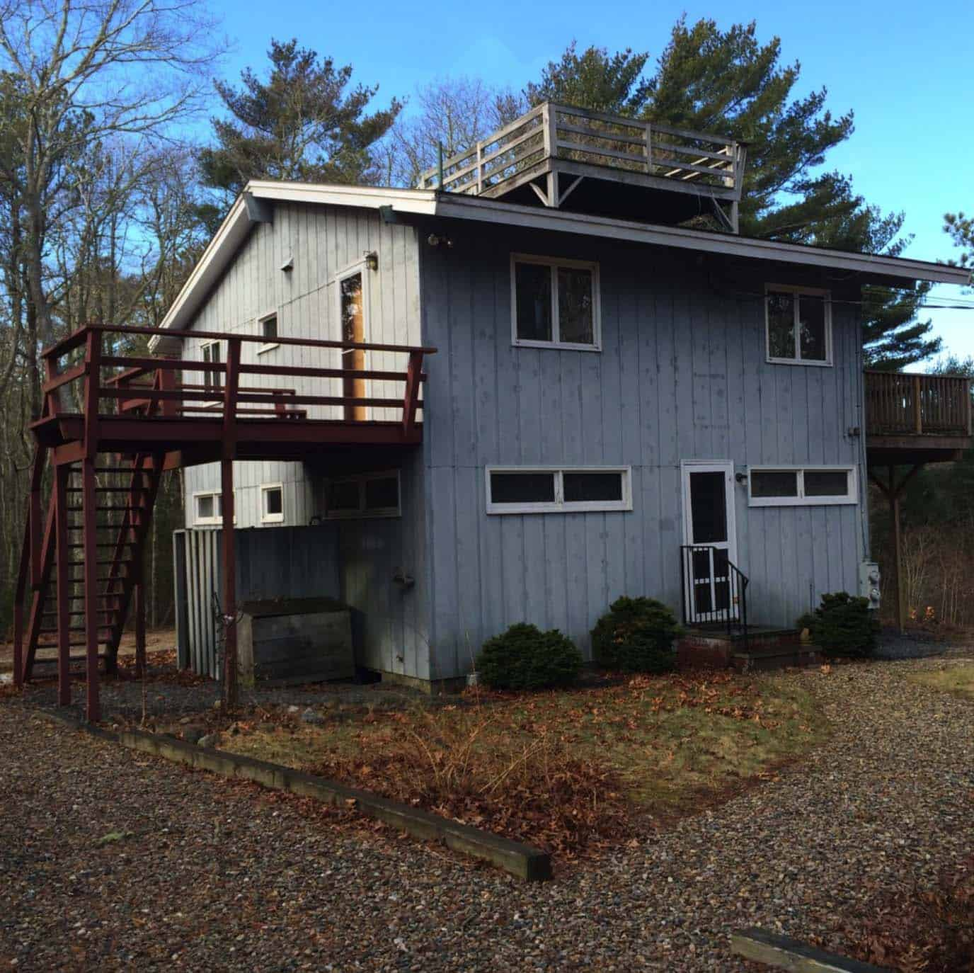 cottage-exterior-prior-to-renovation