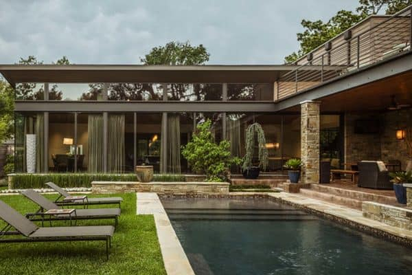featured posts image for Striking contemporary home in Dallas with bright and airy interiors