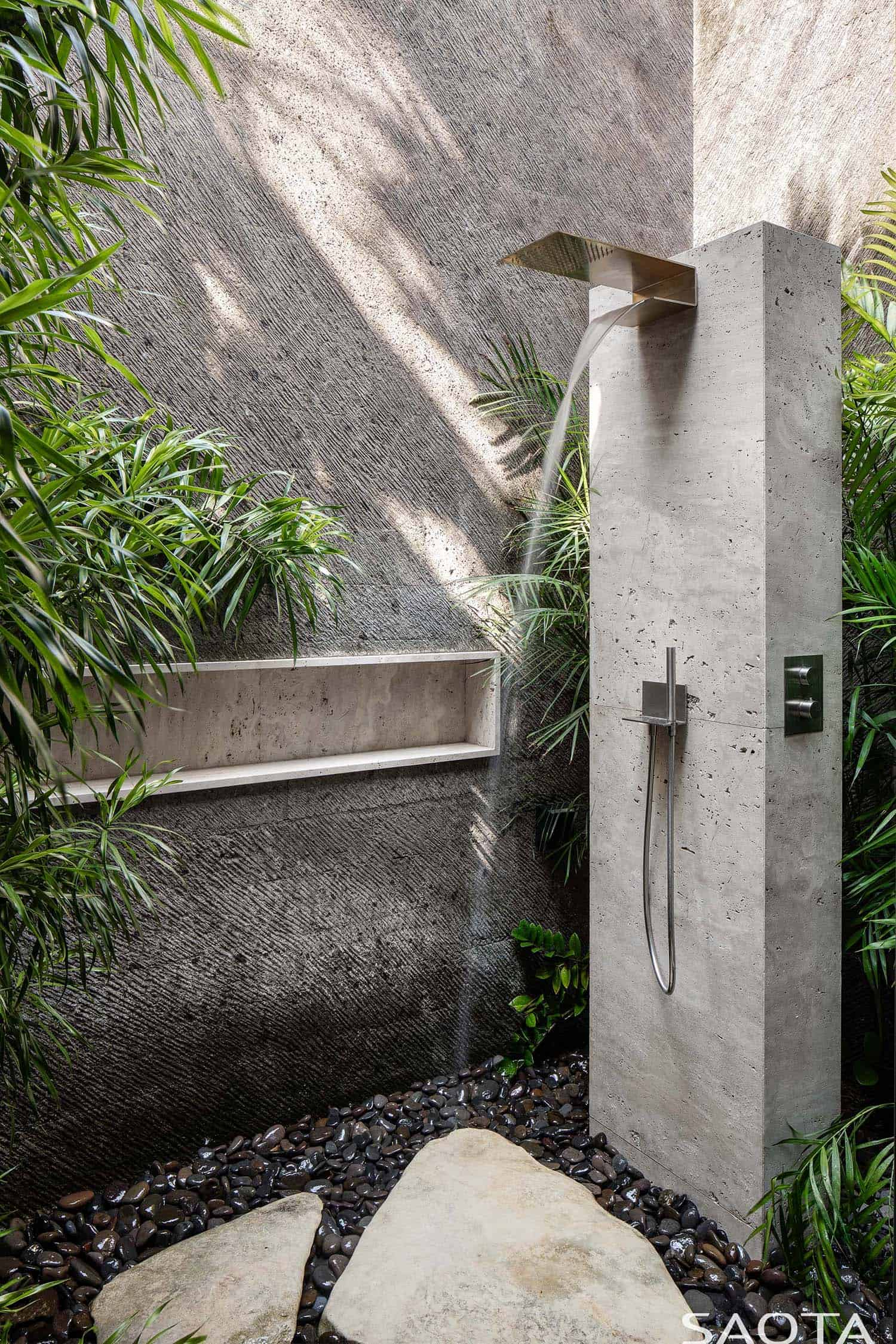 contemporary-bathroom-outdoor-shower