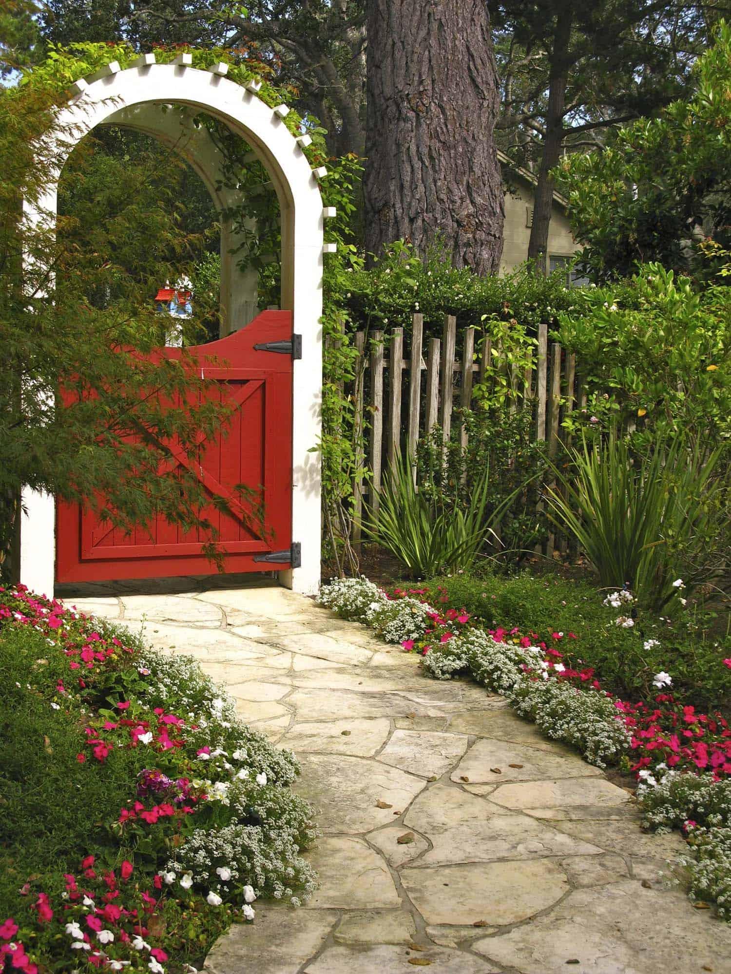 garden-stone-pathway