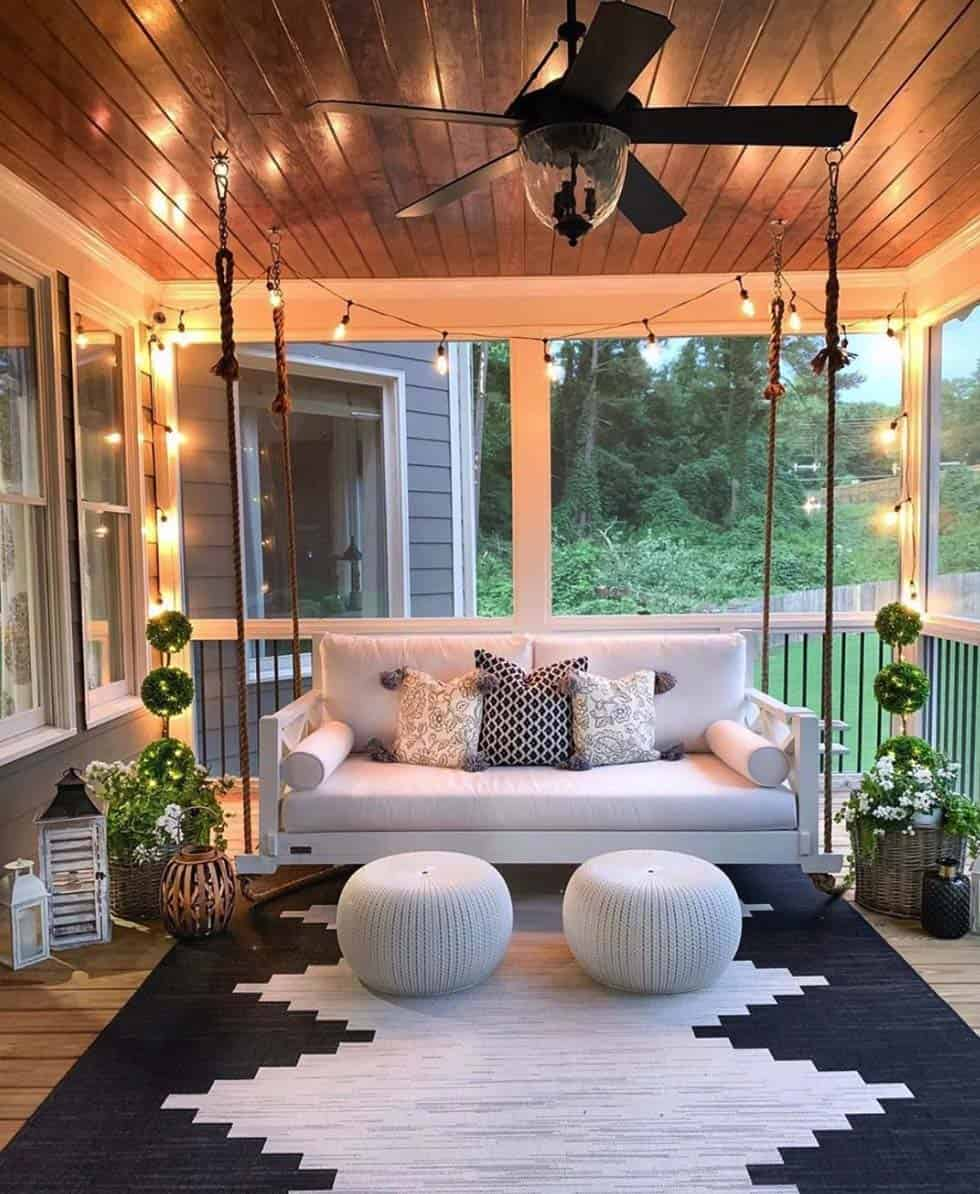 30 Gorgeous And Inviting Farmhouse Style Porch Decorating