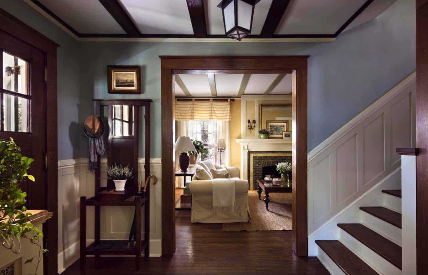 house-traditional-entry-new-york