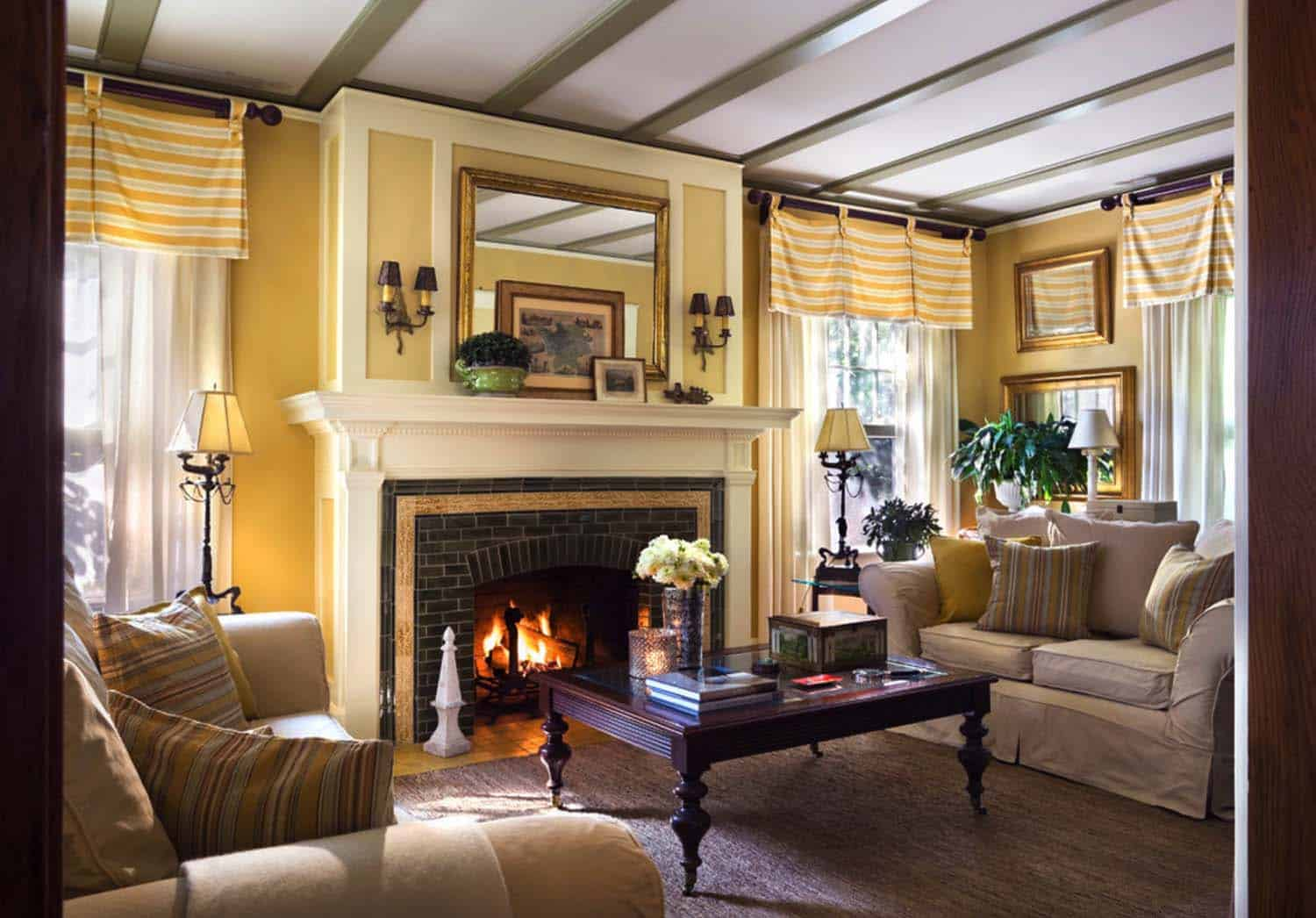 house-traditional-living-room-new-york