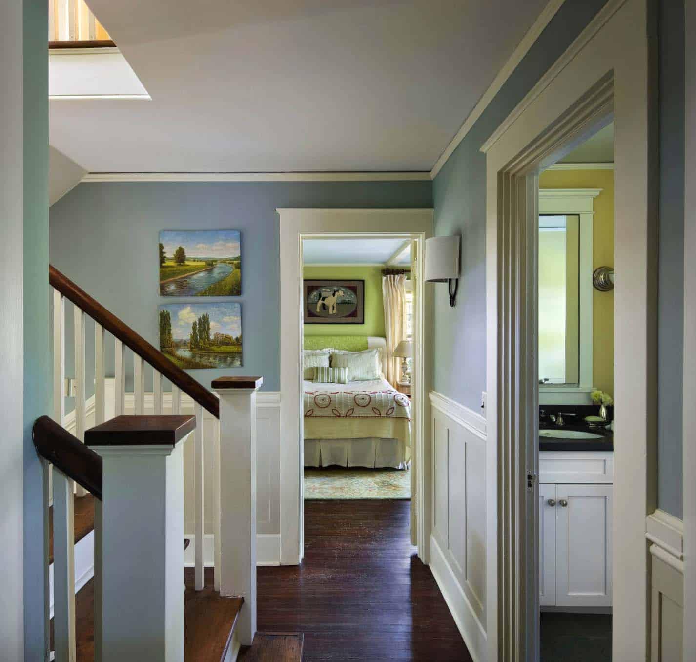house-traditional-hall