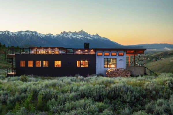 featured posts image for Modern hilltop home boasts jaw-dropping views of the Teton Mountains