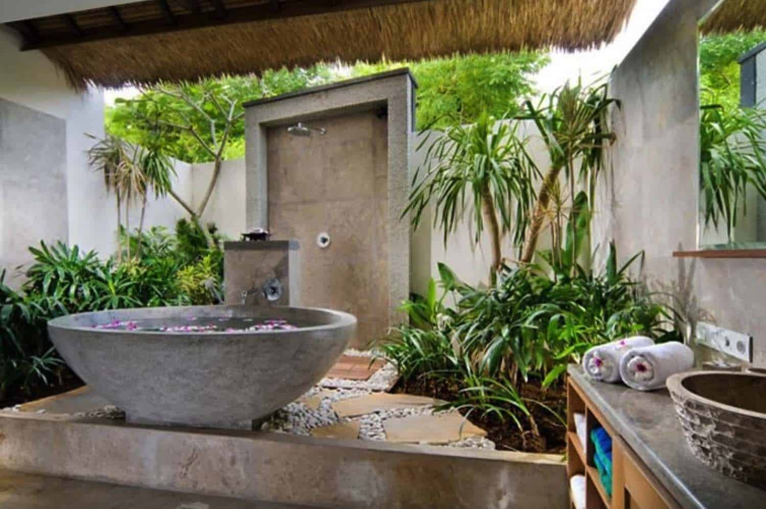 outdoor-tub