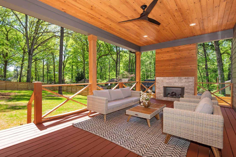farmhouse-deck