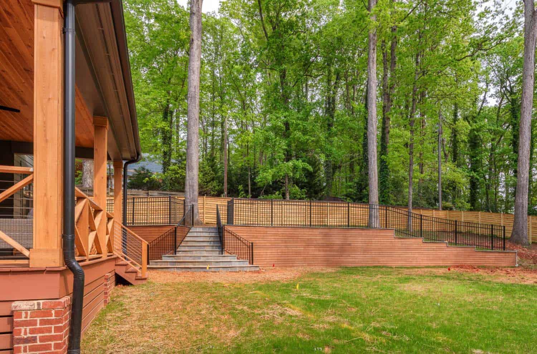 backyard-and-retaining-wall-farmhouse-exterior