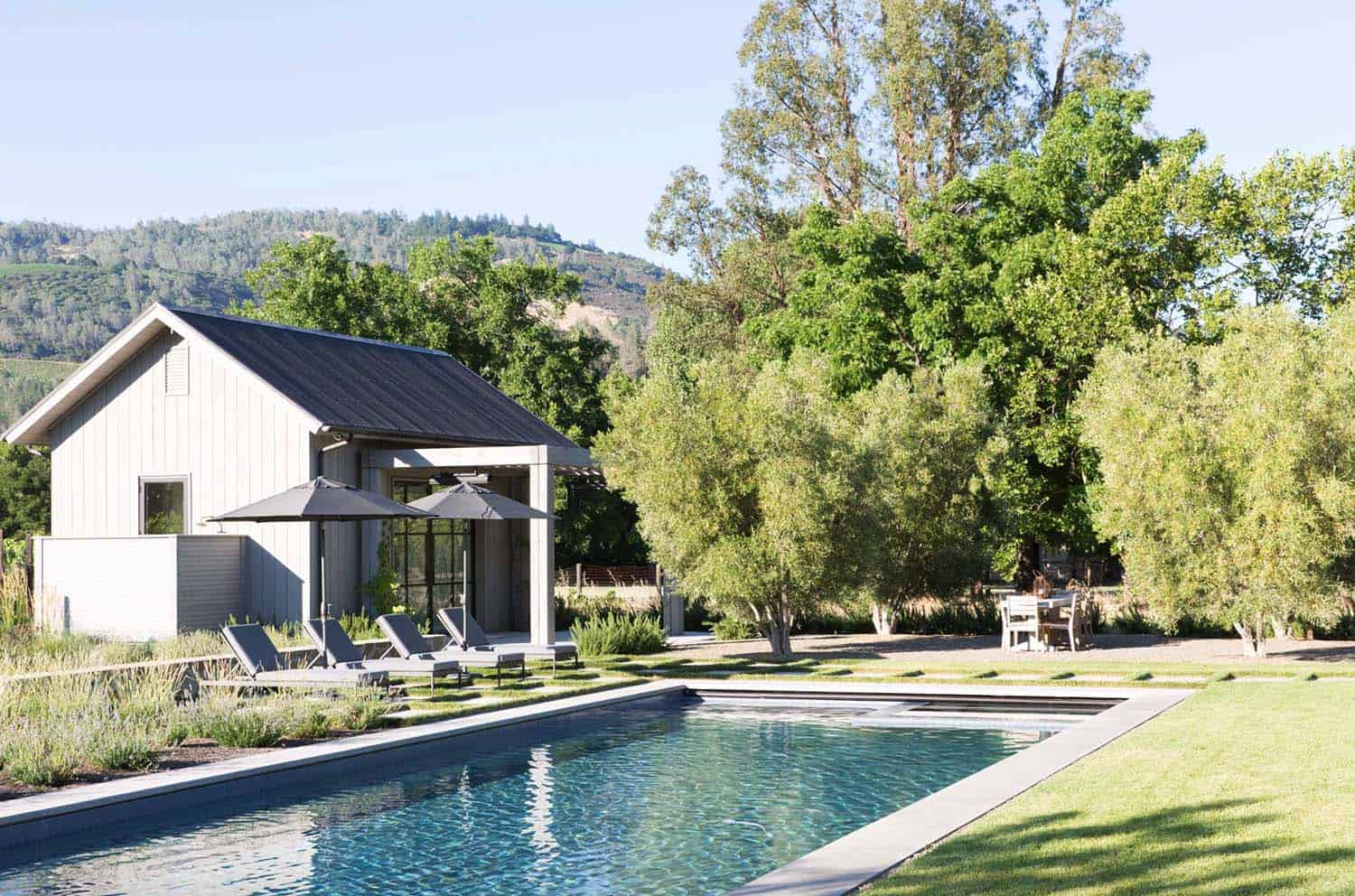 farmhouse-pool-california