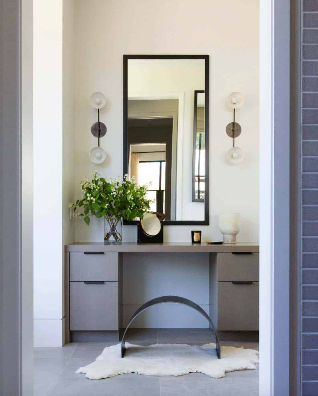 modern-farmhouse-style-bathroom