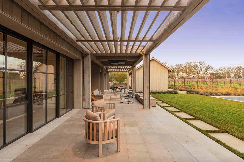 farmhouse-patio-california