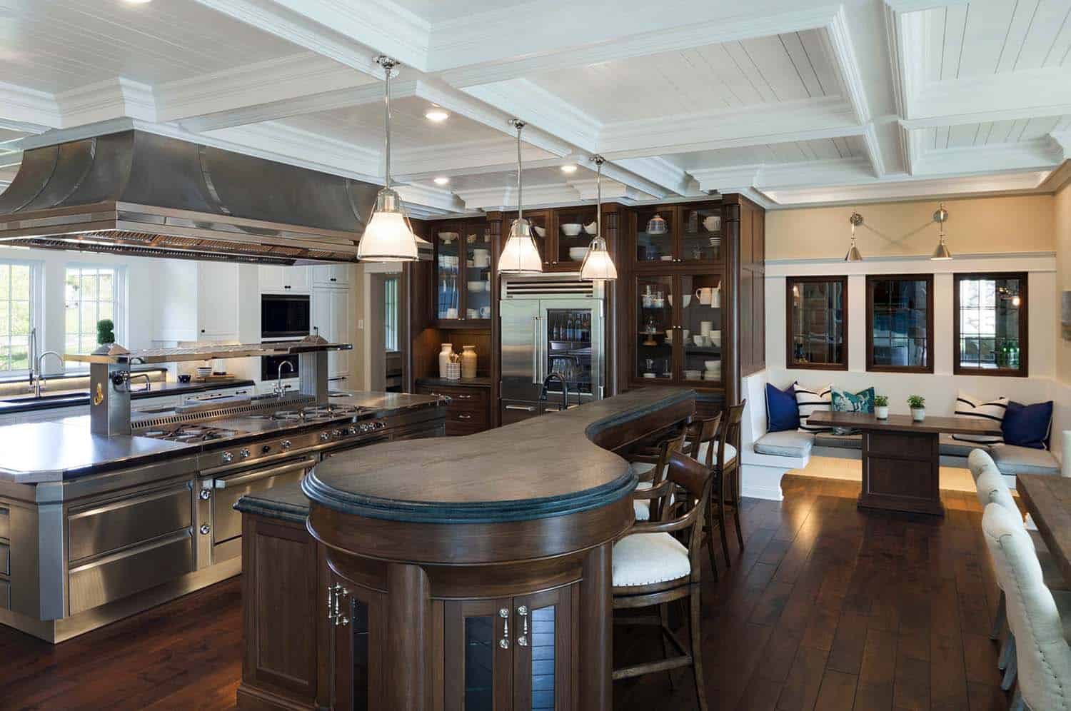 nautical-cottage-beach-style-kitchen