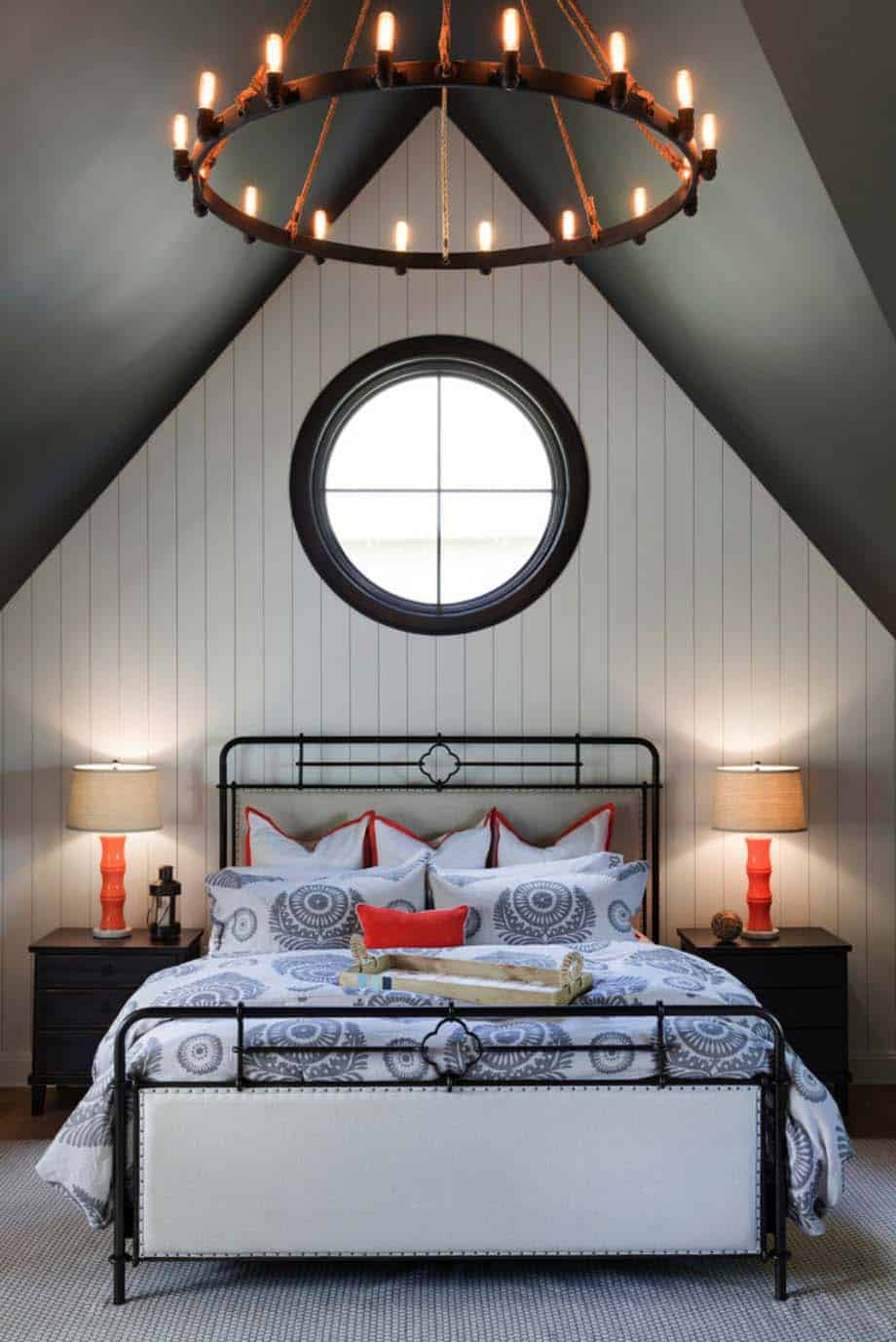 /nautical-cottage-beach-style-bedroom