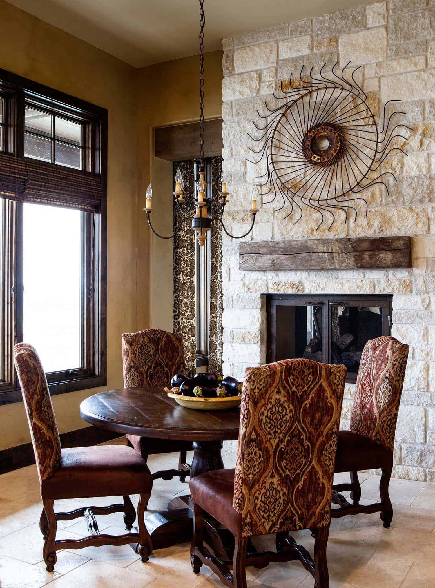 rustic-retreat-dining-room