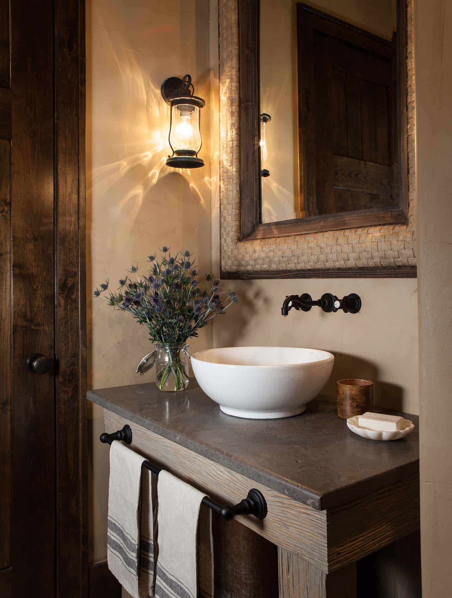 rustic-retreat-powder-room