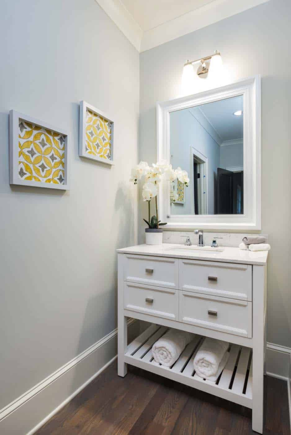 traditional-style-bathroom-vanity